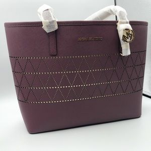 Michael Kors Jet Set MD Carry All Tote